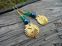 - Náušnice Zlaté mušle v zelenej lagune - 8327214_