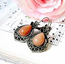 Náušnice - Vintage Teardrop with Ornaments Earrings / Bronzové náušnice v tvare slzy /0559 (Red Aventurine / Červený aventurín) - 8327942_