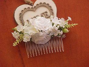 Ozdoby do vlasov - Biely hrebienok s ružami - 8329848_