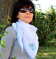 Šatky - Vyšívaná šatka biela s modrým - 8335524_
