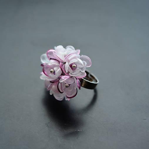 Recy prsteň kytička kvetov