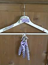 Dekorační ramínko se 3 levandulovými paličkami-levandulový lán