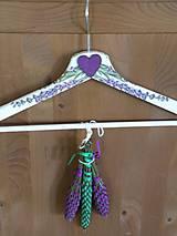 Dekorační ramínko se 3 levandulovými paličkami-levandule
