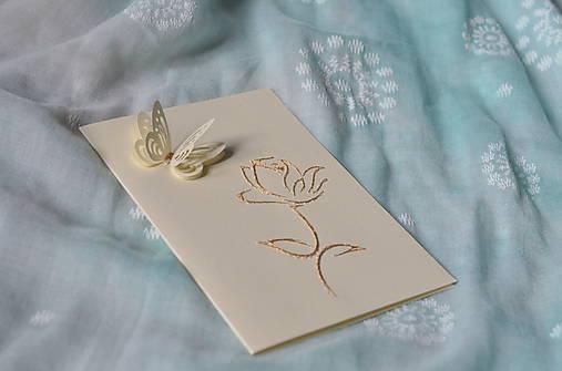 Pohľadnica - ruža s motýľom