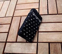 Na mobil - Pletený obal na mobil čierny - 8337797_