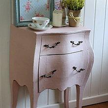 Nábytok - Ružový nočný stolík Peu La Rose - predaný - 8337450_