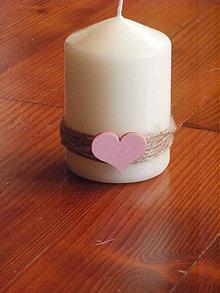 Svietidlá a sviečky - Sviečka s ružovým srdiečkom - 8337667_