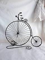 Dekorácie - vysoký retro bicykel...velociped - 8342128_