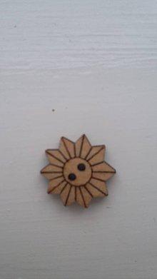 Galantéria - G115 Gombík drevený (slniečko 1,8 cm) - 8339975_