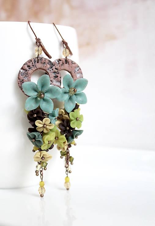 Dážď kvetov s kruhom. Green   ZU.ZU - SAShE.sk - Handmade Náušnice 72ecd8dc925