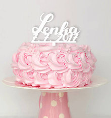 Dekorácie - Ozdoba na tortu, meno + dátum na krstiny (šírka 16cm, výška podľa počtu písmen - Strieborná) - 8343611_