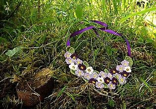 Náhrdelníky - Háčkovaný  náhrdelník z kvietkov - 8345511_