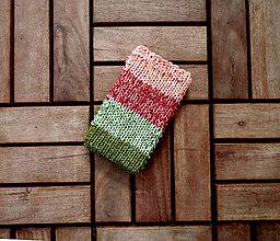 Na mobil - Pletený obal na mobil zeleno-lososový - 8348779_