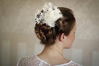Ozdoby do vlasov - Svadobný fascinátor so závojom - 8349017_