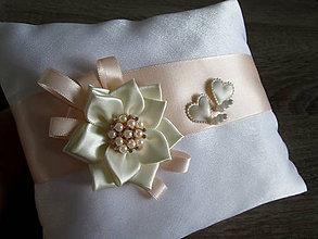 Úžitkový textil - Vankúš pod obrúčky - 8350904_