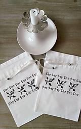 Úžitkový textil - Ľudové vrecúško...svadobné? 27,5x20cm - 8351142_