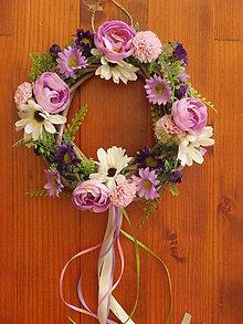 Dekorácie - Fialkovo ružový venček - 8350050_