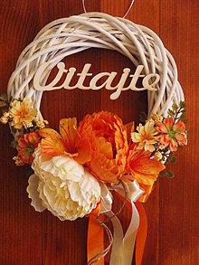 Dekorácie - Oranžovo - smotanový veniec s nápisom - 8351845_