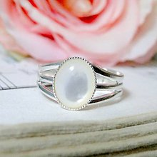 Prstene - Natural Mother of Pearl Silver Plated 925 Ring / Postriebrený prsteň s perleťou /0555 - 8354477_