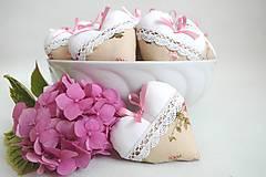 Darčeky pre svadobčanov - Svadobné srdiečka kvetinkové - 8352646_