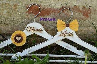 Nábytok - Svadobné vintage vešiačiky slnečnicové - 8353125_