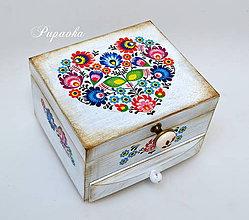 Krabičky - Folková šperkovnica so srdcom - 8354106_