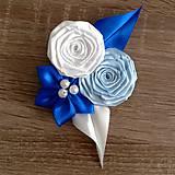 Modré pierko pre ženícha