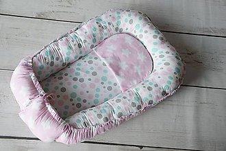 Textil - Hniezdo pre bábätko ružovo-mentolovo-sivé s hviezdičkami a guľkami - 8357861_