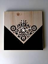 Hodiny - Na dreve maľované • hodiny Čierno čierna - 8356567_