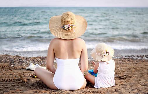 Odznaky/Brošne - Set kvetinové brošne mama s dcérkou - 8359230_