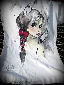 Tričká - Maľované tričko - Dáma s holubmi - 8356812_