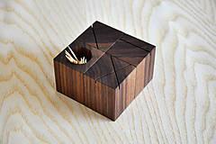 Nádoby - WALNUT OBJECT /soľnička z orechového dreva/ (Pre špáratká) - 8356941_