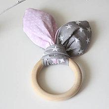 Hračky - Drevené hryzátko pre bábätko Hviezdičky s ružovou - 8360878_