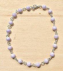 Iné šperky - Bielofialová retiazka na nohu - 8360708_