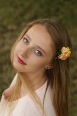 Ozdoby do vlasov - Kvetinová sponka - Zlatovláska - 8360498_