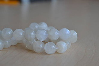 Minerály - Mesačný kameň 10mm, 1.20€/ks - 8360156_