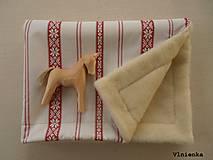 Textil - Detská deka s folklórnym motívom 100% ovčie rúno MERINO červená výšivka - 8365110_