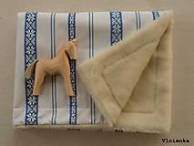 Textil - Detská deka s folklórnym motívom 100% ovčie rúno MERINO modrá výšivka - 8365158_