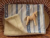 Textil - Detská deka s folklórnym motívom 100% ovčie rúno MERINO modrá výšivka - 8365159_