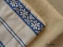 Úžitkový textil - Deka FOLKLÓR 100% ovčie rúno MERINO modrá výšivka - 8365191_