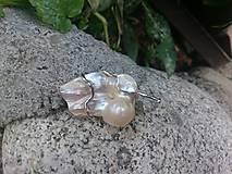 Odznaky/Brošne - brošňa s perleťou - 8364819_