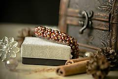 Náramky - Luxusný perličkový náramok - Škoricový zázrak - 8367761_