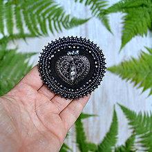 Odznaky/Brošne - Voyage en Arabie - Black silver - vyšívaná brož - 8369480_