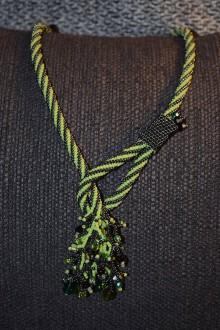 Náhrdelníky - náhrdelník s korálovým efektom - 8369628_