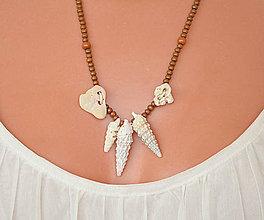 Náhrdelníky - Naturálny náhrdelník s mušľami a kamienkami - 8370041_