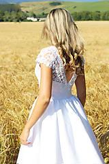 Šaty - Svadobné šaty z korálkovej krajky a veľkou sukňou - 8372809_