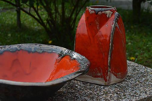 váza oranžová