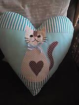 Úžitkový textil - srdiečko vankúš s mačičkou - 8375910_