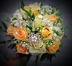 Kytice pre nevestu - Svadobná kytica marhuľová zo živých kvetov - 8377329_