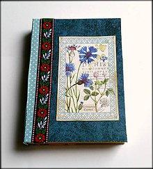 Papiernictvo - Ručne šitý scrapbookový diár/zápisník ,,Krásna nevädza\